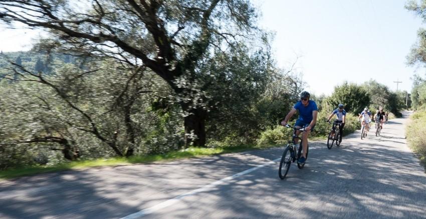 Exhilarating downhills. © 2014 Avid Travel Media