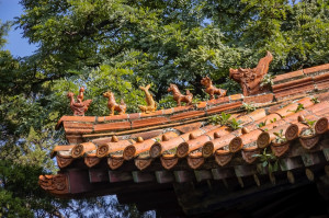Mythological roof figures at the Confucius Temple in Qufu