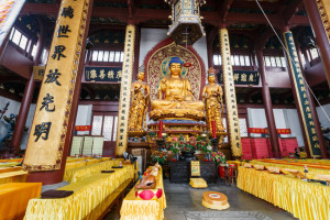 Hangzhou Lingyin Temple Buddha in the interior,